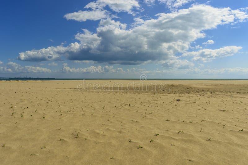 På stranden arkivfoton