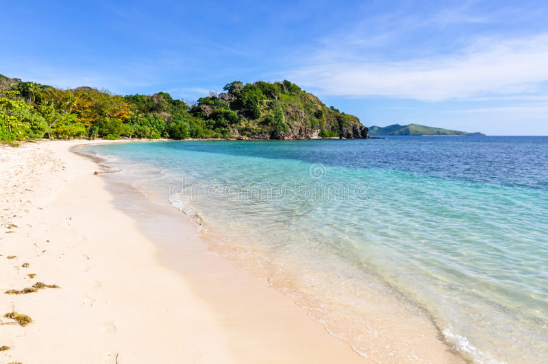 På stranden i Mana Island Fiji royaltyfri fotografi