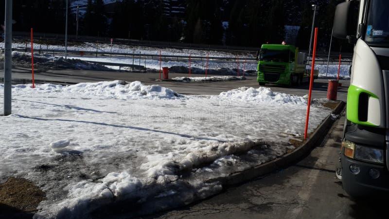 Is på trottoaren arkivfoton