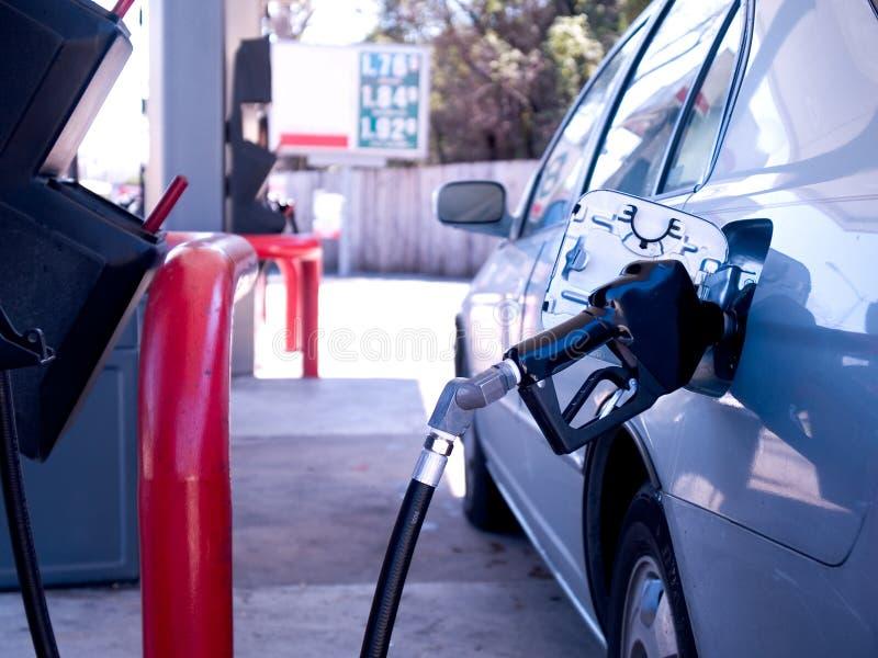 Påfyllning med gas royaltyfri foto