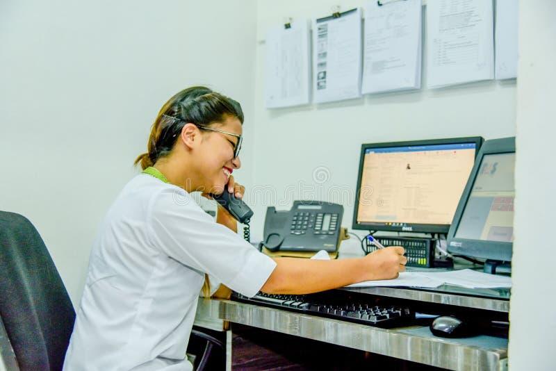 Påringning för häleri för arbetare för appellmitt royaltyfri fotografi