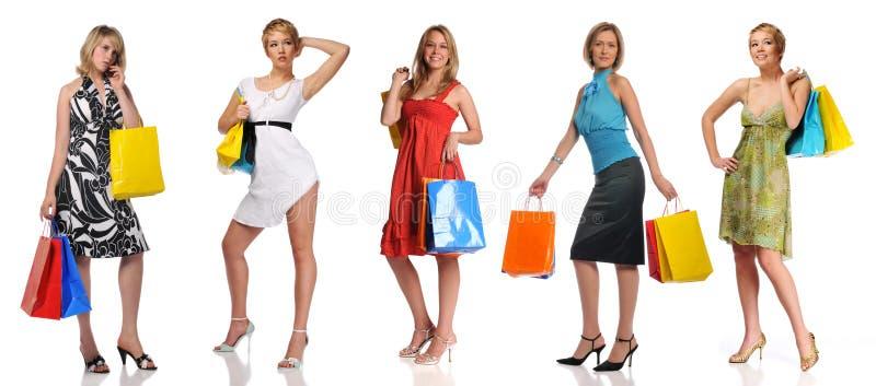 påsar som shoppar kvinnor royaltyfri bild