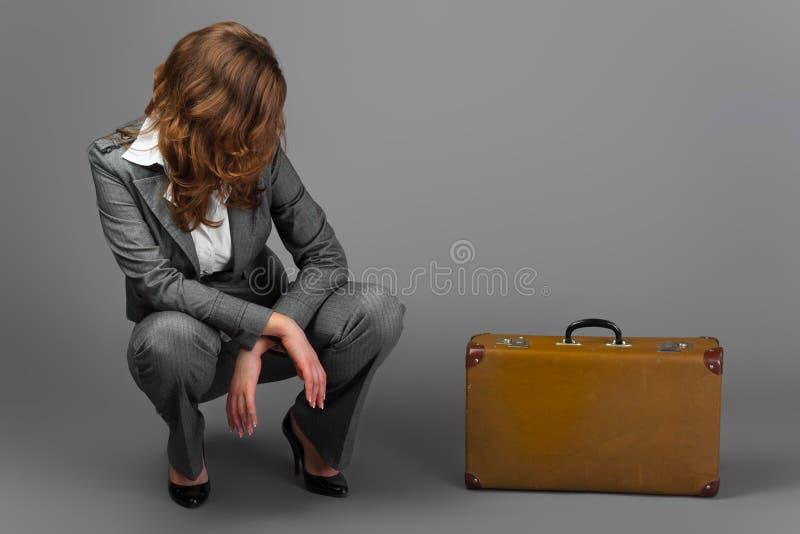 påseaffärskvinnaresväska royaltyfri fotografi
