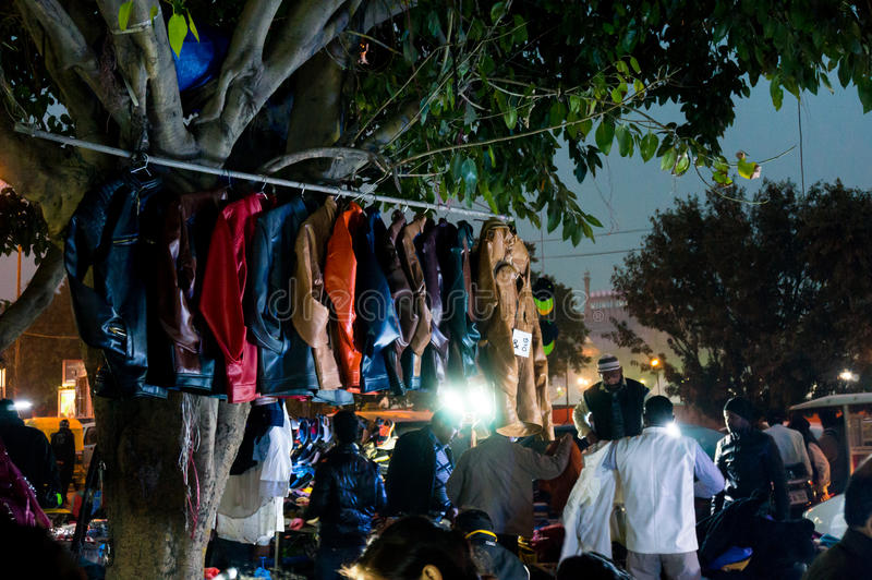 Påsen shoppar i Delhi Indien arkivfoton
