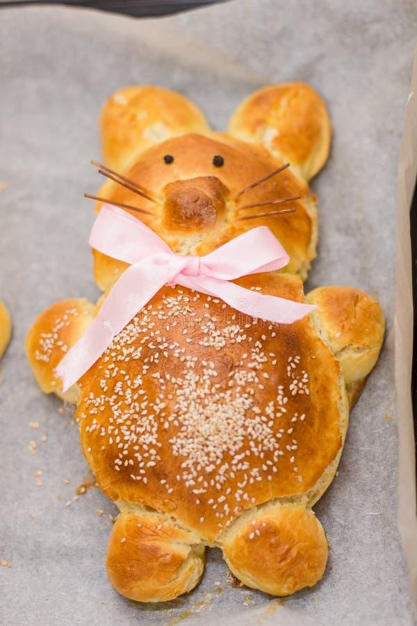 Påsk Bunny Bread royaltyfria bilder