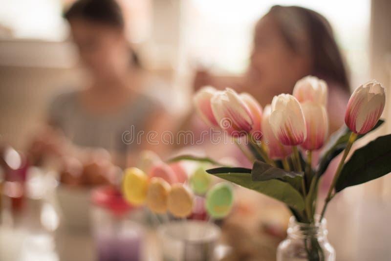 Påsken är nära, och det betyder att våren har ankommit royaltyfri foto