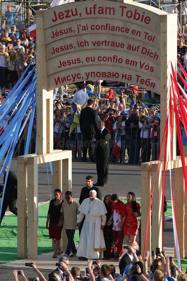 Påve 2016 för världsungdomdag Francis med ungdomar royaltyfria foton