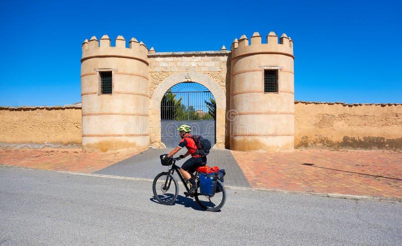 Pèlerin de bicyclette de Minaya à la manière de Saint James photos libres de droits