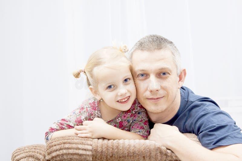 Père avec la fille image libre de droits