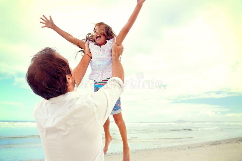 Famille en bonne santé d'amusement photo libre de droits