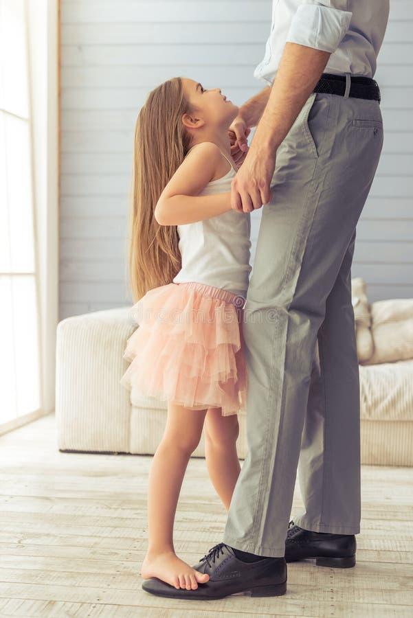 Père et fille image stock
