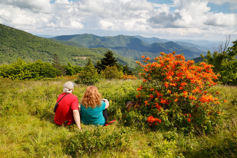 Père et fille Roan Mountain North Carolina photographie stock libre de droits