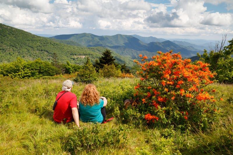 Père et fille Roan Mountain North Carolina photographie stock libre de droits