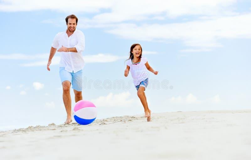 Fille de père d'amusement image libre de droits