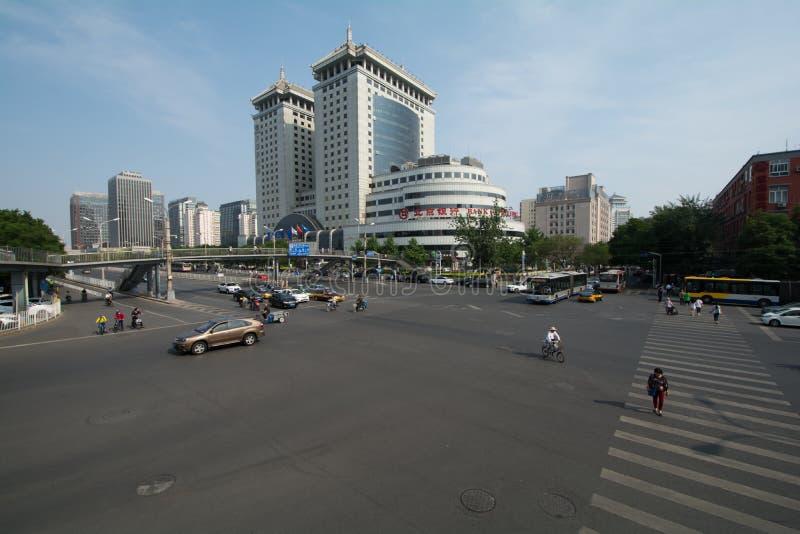 Download PÉKIN, CHINE Le 21 Mai 2016, Vue Sur Les Larges Routes De Pékin O Photographie éditorial - Image du bureau, downtown: 76087597