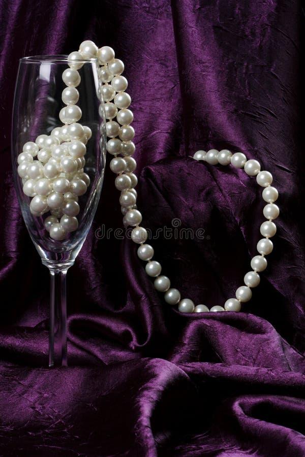 Pérolas na flauta foto de stock royalty free