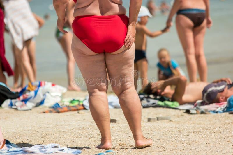 Pés da senhora excesso de peso foto de stock