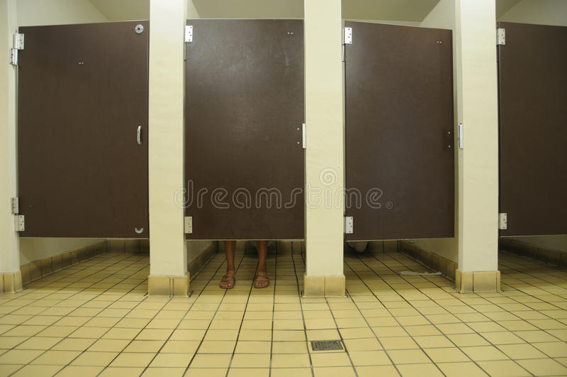 Pés do banheiro imagem de stock royalty free