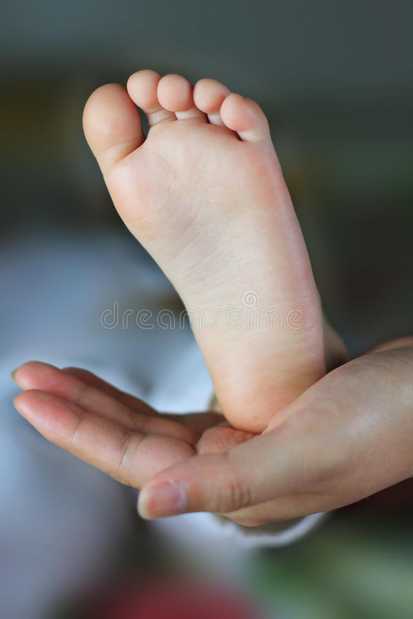 Pés do bebê fotografia de stock