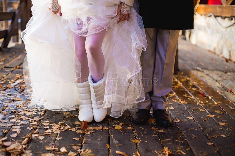 Pés do recém-casado imagens de stock royalty free