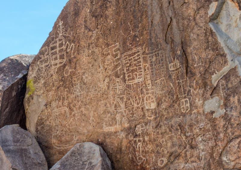 Pétroglyphes dans le canyon de vigne photos stock