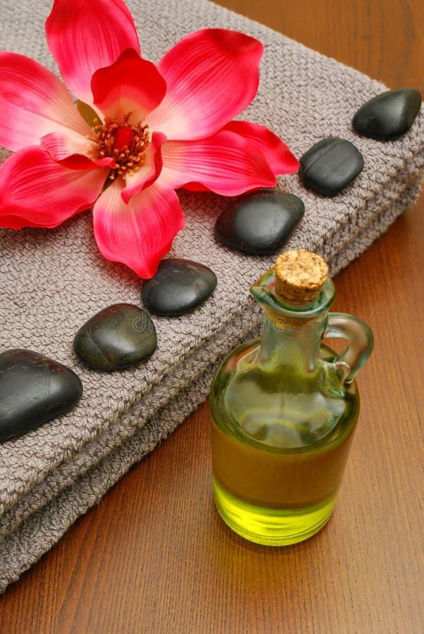 Pétrole de massage photos stock