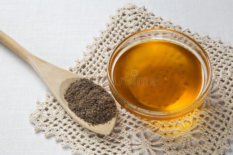 Pétrole de semence d'oeillette et graines de lin image libre de droits