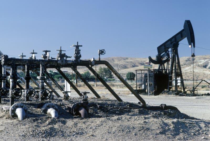 Pétrole puits chez Taft, CA images stock