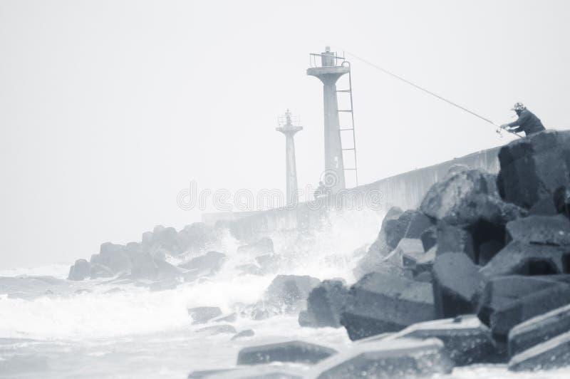 Pêchant dans le port de poissons, ChuWei photographie stock
