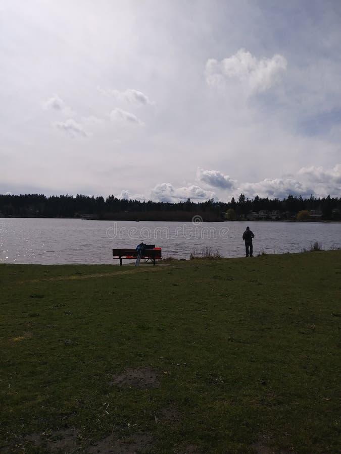 Pêche au lac images libres de droits