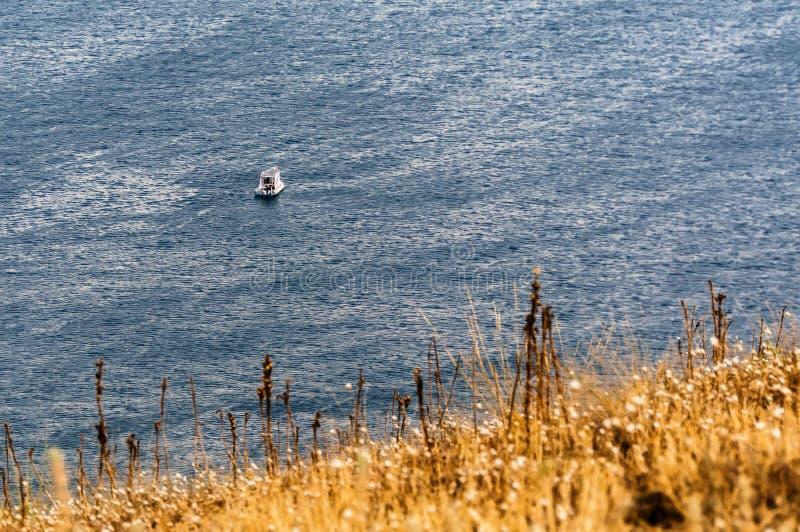 Pêche de bateau après la tempête photos libres de droits