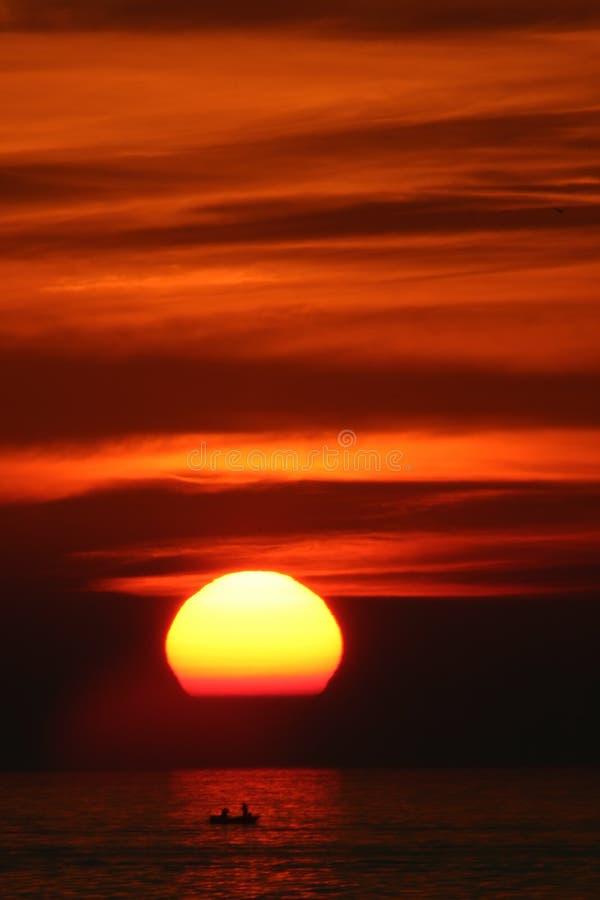 Pêche de lever de soleil images libres de droits