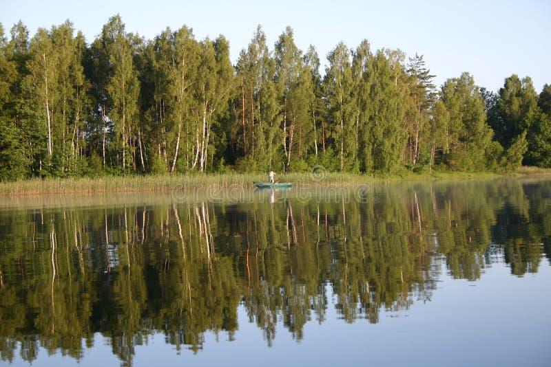 Pêche de matin images stock