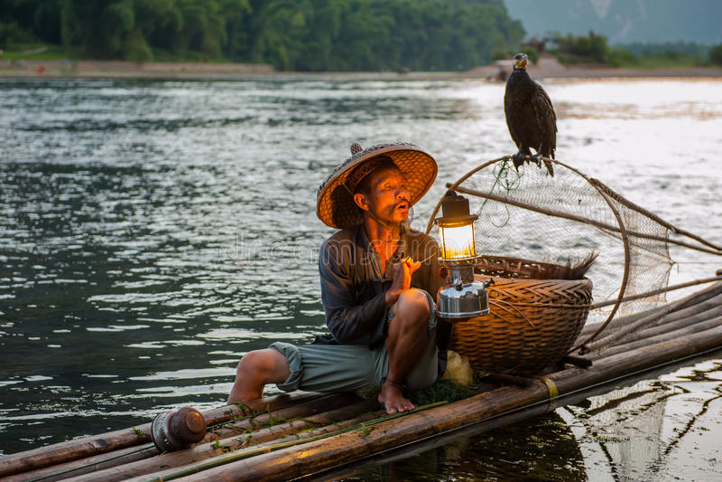 Pêche du vieil homme images stock