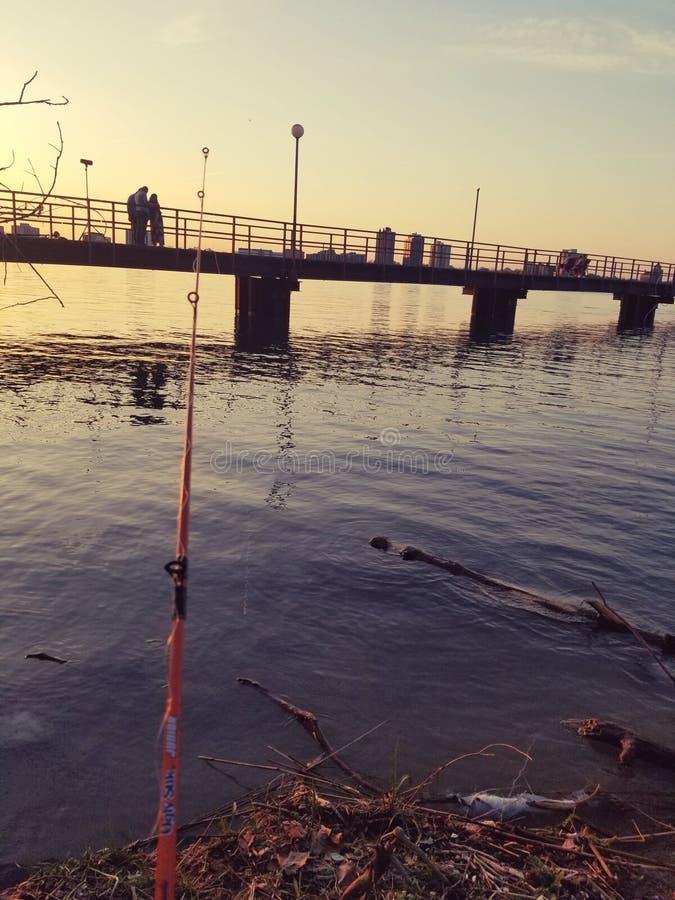 Pêche paresseuse de jour images libres de droits