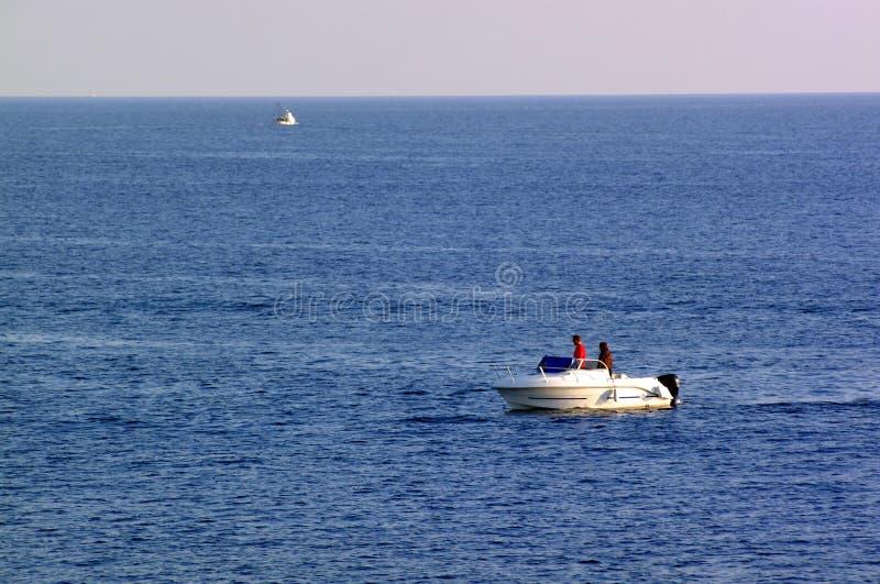 Pêche sur le bateau image stock