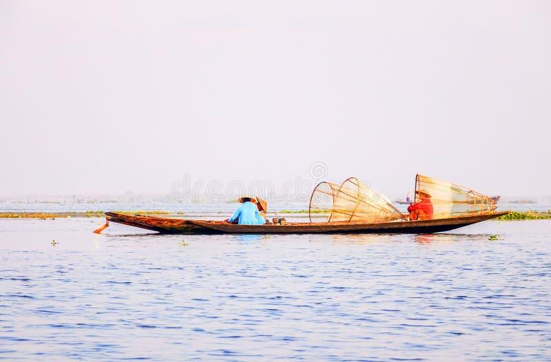 Pêcheurs sur le lac Inle, Shan, Myanmar photos libres de droits