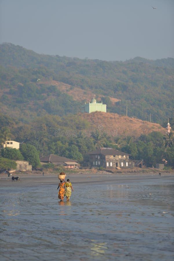 P?cheuse ? la jet?e de harne, Dapoli, Ratnagiri, maharashtra photos libres de droits