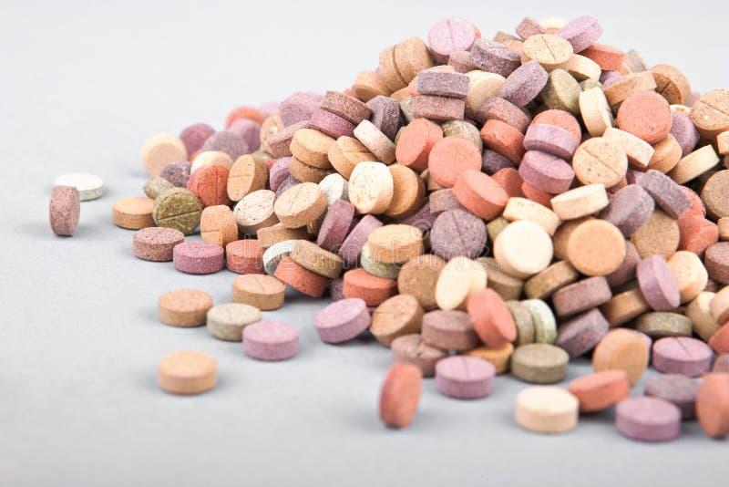 Píldoras herbarias coloridas 1 imagen de archivo