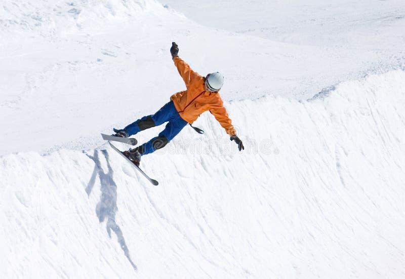 pół pradollano kurortu fajczanego narciarska narciarka Hiszpanii obrazy stock