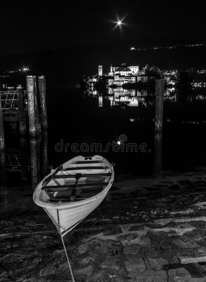 Półksiężyc na Jeziornym Orta fotografia royalty free