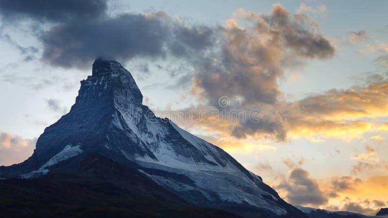 półmrok Matterhorn obrazy stock