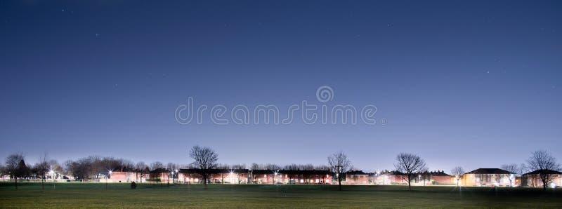 Półmrok spada nad przedmieściami UK Machester Lancashire zdjęcie royalty free