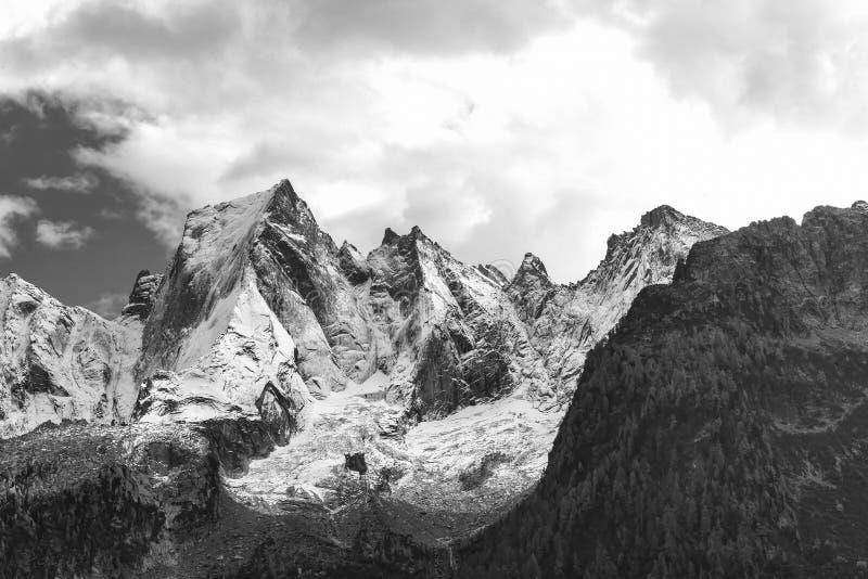 Północna twarz góra Rhaetian Alps w Switzerla obraz stock
