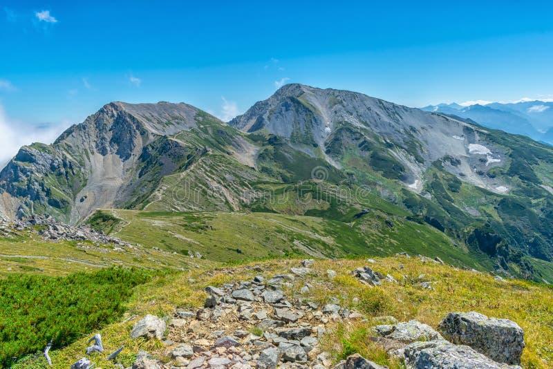 Północnojapońskie Alpy nad doliną Hakuba, Japonia zdjęcie stock