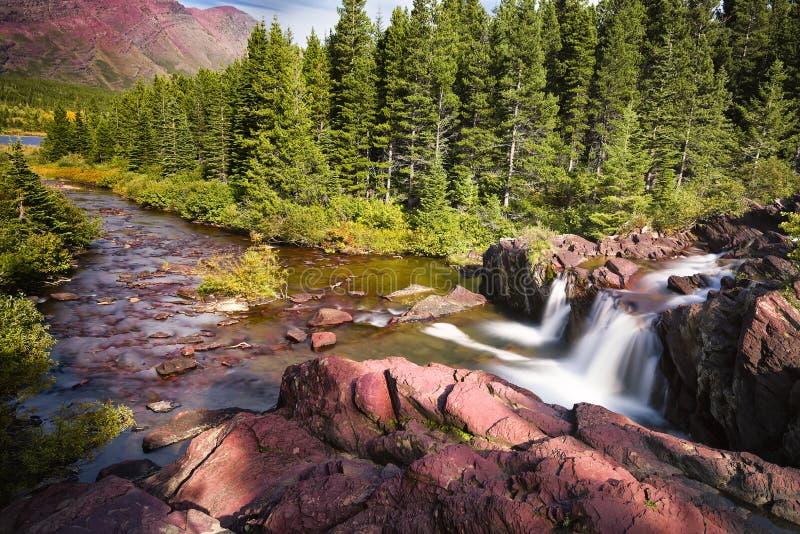Późne Popołudnie na Czerwonym skała śladzie zdjęcie royalty free