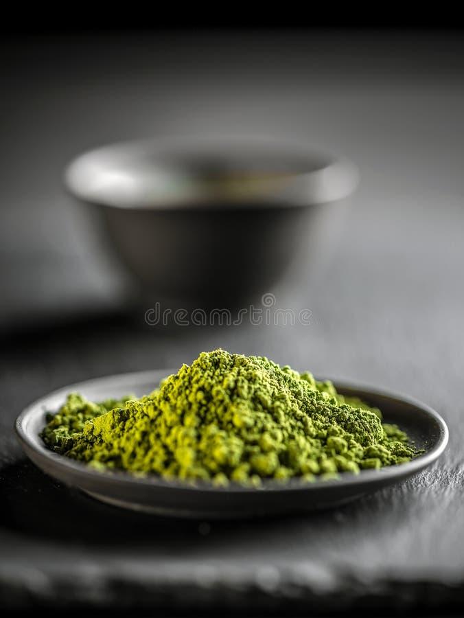 Pó do verde de Macha imagens de stock royalty free
