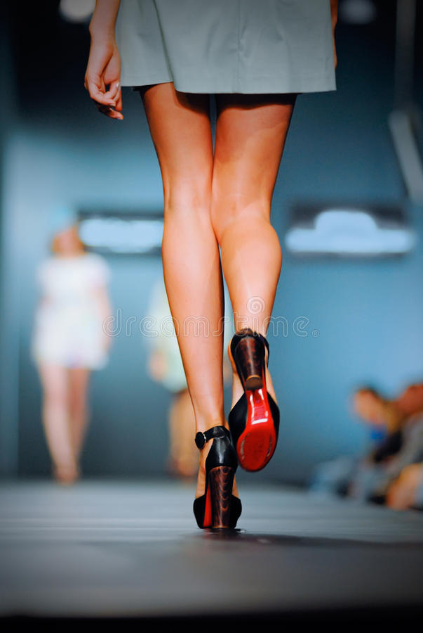 Pódio no desfile de moda foto de stock