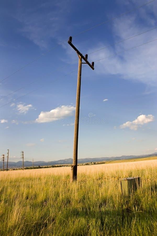 Pólo elétrico em um campo em Helena foto de stock royalty free