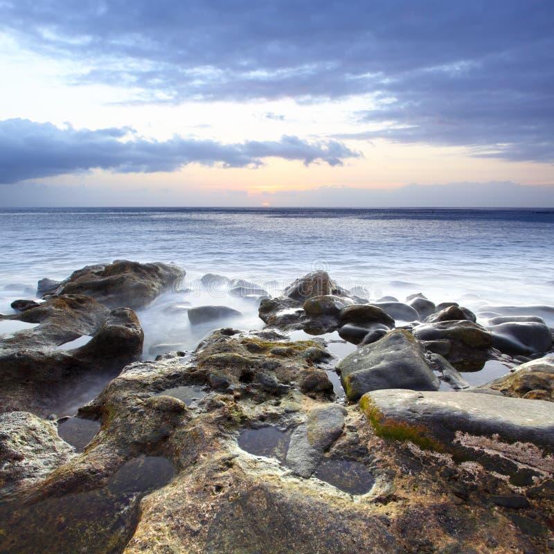 Download Pôr-do-sol imagem de stock. Imagem de rocha, movimento - 16852411